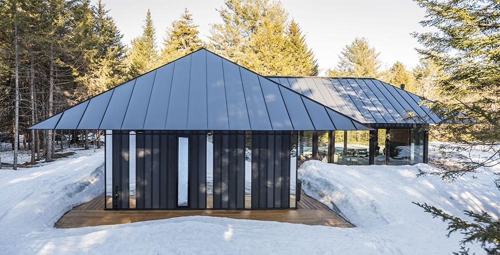 Board batten guest house architecture builders for Board and batten house designs